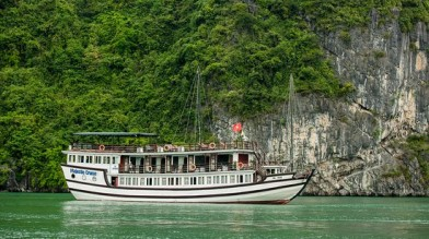 HA LONG MAJESTIC CRUISE 3*** / 4 ****DELUXE 2D1N
